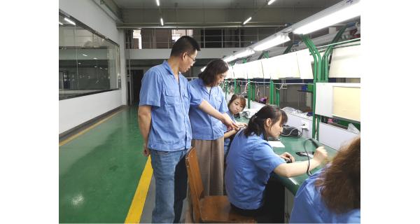 ▌长岭纺电新闻 ▌学技能教方法 强素质促生产